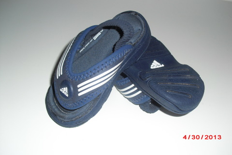 29b32aa9b22b5a ADIDAS BABY FLIP FLOPS! Fit Foam Soft Comfort Footbed Size US2 LIKE NEW!  SHIPS