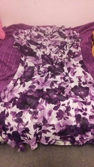 Beautiful women's summer dress. 16 w Petite.