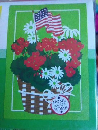 "BN Small ""Home Sweet Home"" Garden Flag"
