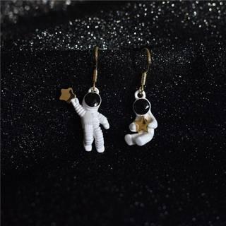 [GIN FOR FREE SHIPPING] Cute Space Star Asymmetrical Astronaut Dangle Drop Earrings