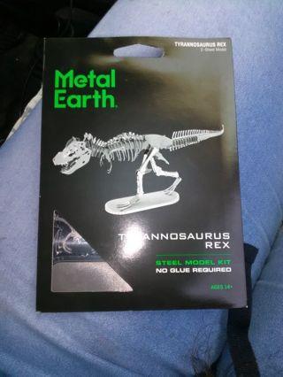 Metal gallery dinosaur kit