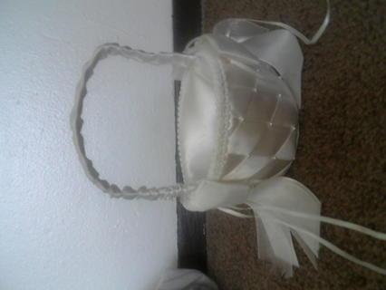 WOW!! Offwhite Flower girl basket