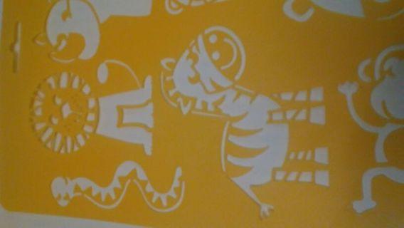 Zoo/jungle stencil