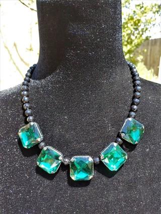 New BNIP Black Beaded Green Glass Fashion Necklace
