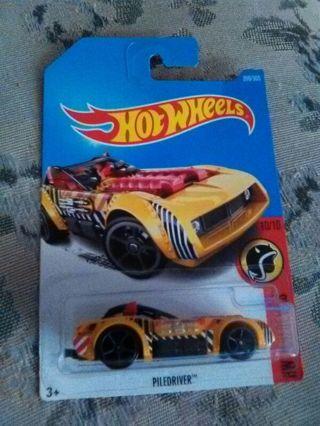 PILEFINDER HOT WHEEL CAR