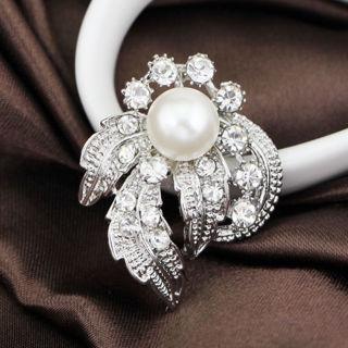 Rhinestone Crystal Faux Pearl Brooch
