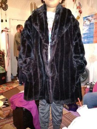 Shawl Collar Faux Fur Coat Size 5X (read all please before bidding)