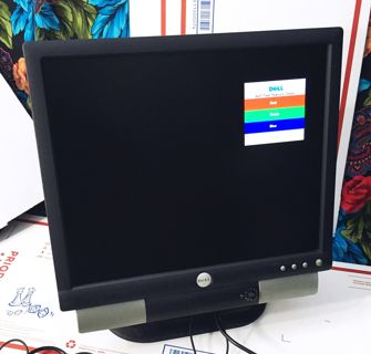 "15"" LCD Dell Flat Panel Color Monitor PC Monitor E173FPVf w/Dell speakers SOUND BAR INCLUDED"