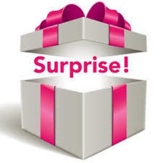 ღ New Mystery Box Of 10 Random Items