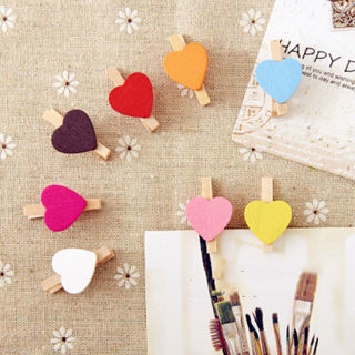 [GIN FOR FREE SHIPPING] 30PCs Mini Hearts Shape Wooden Pegs Photo Clips Wedding