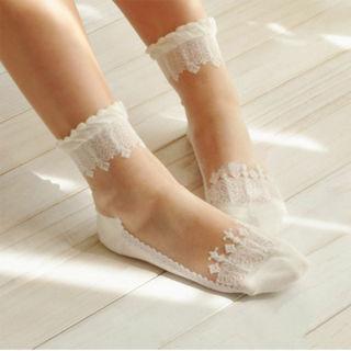 Crystal Silk Lace Elastic Short Socks