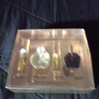 Elizabeth Taylor Perfume New