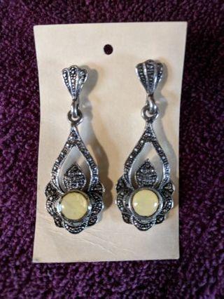 Vintage pierced earrings.