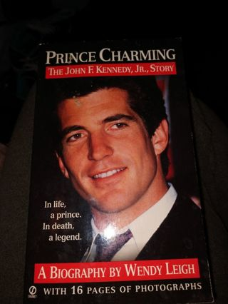 Prince Charming by Wendy Leigh (paperback)
