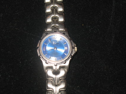 Very Free: Bum Equipment watch with light blue crystal face and date  QY97