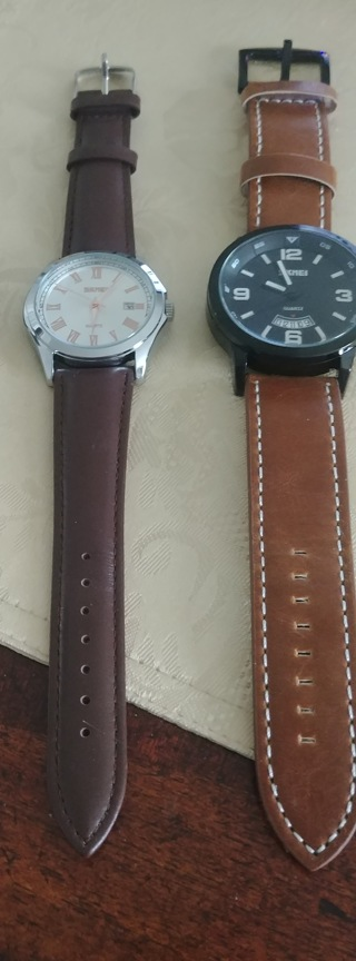 2 Mens Watches (Genuine Leather)