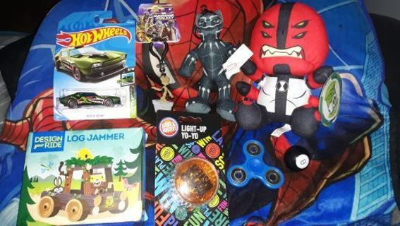 8 mostly brand new children toys/items marvel and other etc (random bonus if gin is used