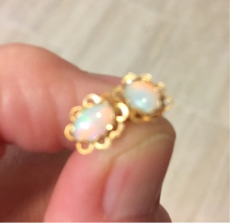 14kt Opal Earrings