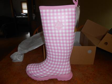 Women's Original Muck Boots Size 7 NWT