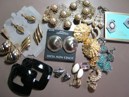 Mixed Lot of Vintage Clip On - Screw Earrings