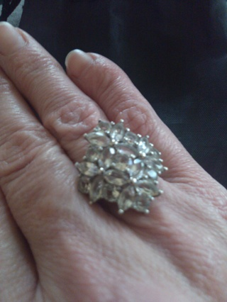 cut crystal  sz 7  cocktail dinner ring in heavy weight setting