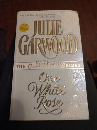 One White Rose by Julie Garwood (paperback)