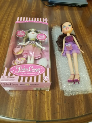Pinkie copper and Bratz dolls