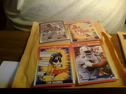 Score 1990 Football Cards (15)