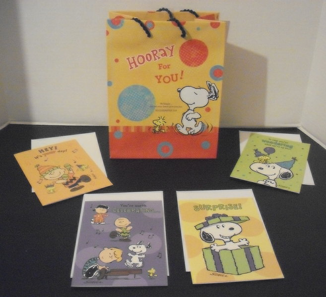 FREE New SNOOPY DAYSPRING CHRISTIAN GIFT BAG 4 BIRTHDAY CARDS W Scriptures Schultz GIN Bonus