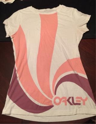 Super Comfy Oakley brand T-shirt