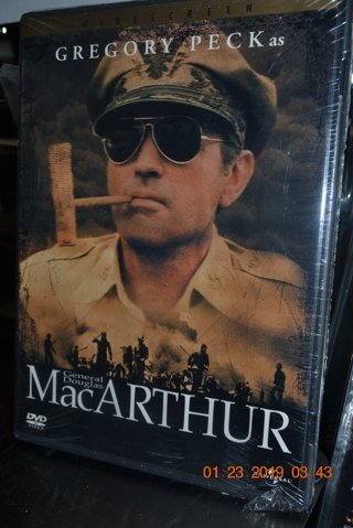 """****NIP """"MacARTHUR"""" WIDESCREEN DVD****FREE SHIPPING"""