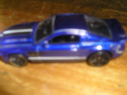 Hot Wheels 2010 Ford Mustang > Read <