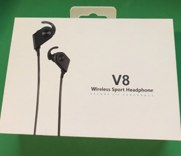 V8 MAGNETIC BLUETOOTH HEADPHONES BRAND NEW