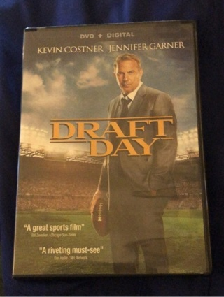 "Gently Used: DVD ""DRAFT DAY"". Great Movie! Kevin Costner/Jen Gardner/Chadwick Boseman/Denis Leary"