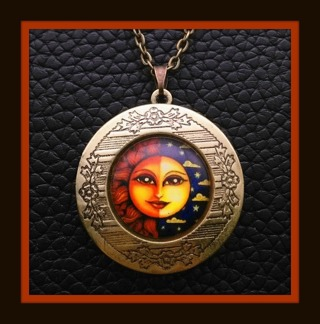 "Locket Necklace Sun & Moon Face Pendant Opens for Photo(s), Antiqued Bronze Tone 19"" Long Chain!"