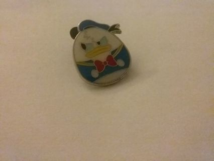 Donald duck disney pin