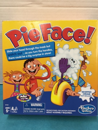 L552 **** PIE FACE **** HASBRO WHIP CREAM TO THE FACE GAME
