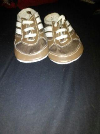 Size 2 bon bebe crib shoes