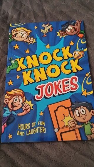 Brand New Paperback Book of Knock Knock Jokes for Kids / Low GIN / Free Shipping
