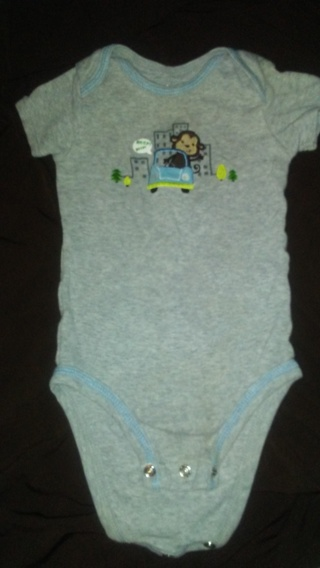 Carter's baby onesie-⬅⬅⬅❄❄❄