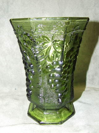 Free Vintage Anchor Hocking Hobnail Pedestal Green Glass Vase