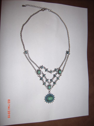 Costume turquoise necklace
