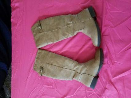 Tan Khaki Brown Boots Size 6 1/2