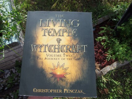 THE LIVING TEMPLE of WITCHCRAFT Volume 2 ☽✪☾ Advanced Wicca Witchcraft Spells Witch Lessons Workbook