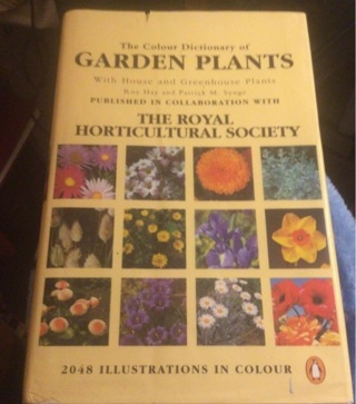 le. (Vintage) The Royal Horticultural Society Colour Dictionary of Garden Plants