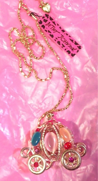 Betsey Johnson Cinderella Carriage Necklace! Free Shipping!