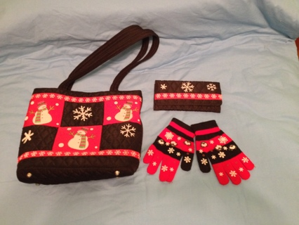 QUILTED WINTER PURSE WITH MATCHING WALLET AND GLOVES