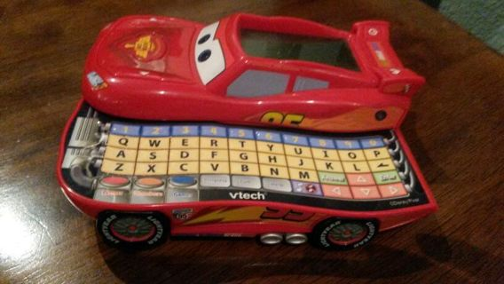 Disney/Pixar Cars V-tech Handheld Electronic Learn and Go Game Lighting McQueen
