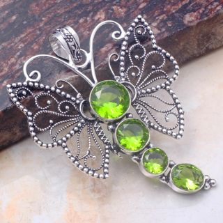 PRETTY PERIDOT COLOR QUARTZ GEMSTONE SILVER PLATED BUTTERFLY PENDANT