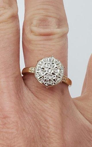 10k Yellow Gold Diamond Circle High Set ring